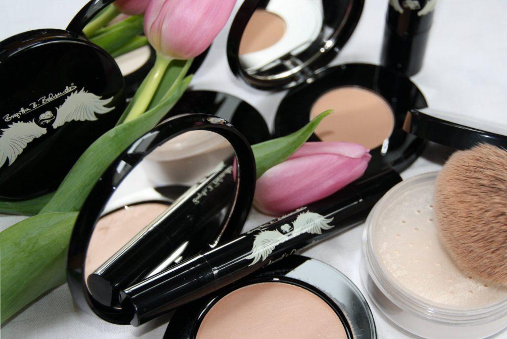 Brandneues Make-up 50plus